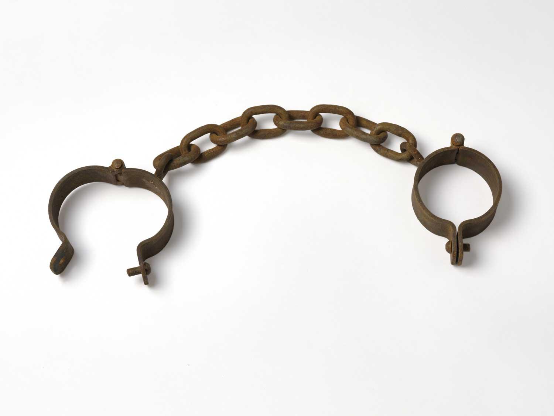 Resultado de imagem para chicote no escravo
